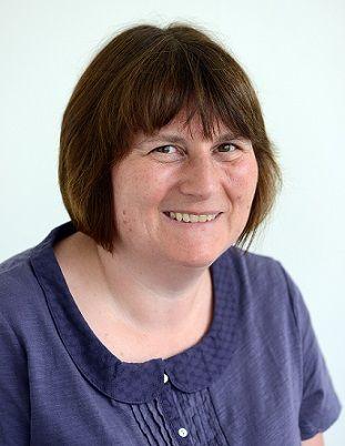 Sue Ring headshot